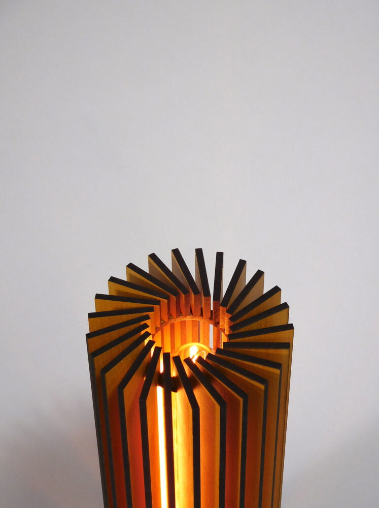 Nr1-houten-nachtlampje-voor-nachtkastje-vanderWerffdesign-bovenaanzicht